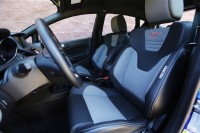 2014-ford-fiesta-st-front-seats.jpg