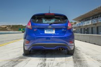 2015-ford-fiesta-st-rear-end.jpg
