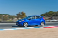 2015-ford-fiesta-st-side-in-motion.jpg