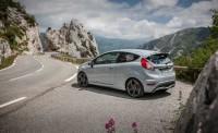 2017-Ford-Fiesta-ST200-130-876x535.jpg