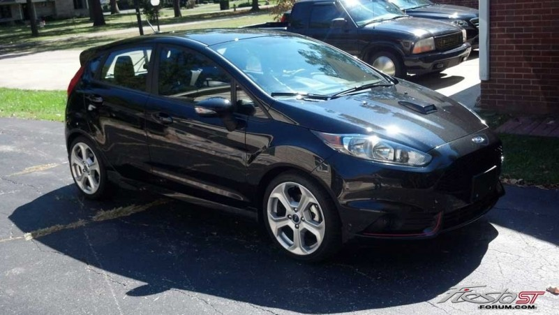 Tuxedo Black Ford Fiesta ST  Fiesta ST Gallery Pictures Images